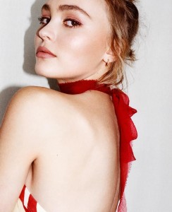 nous-avons-rencontr-lily-rose-depp-body-image-1444752568